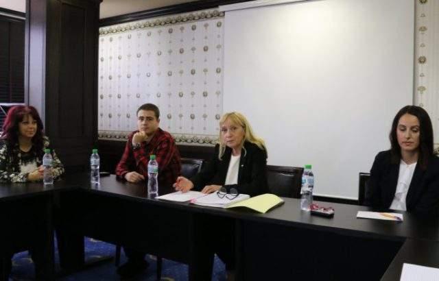 Елена Йончева ще се бори с журналистите за свободата на словото