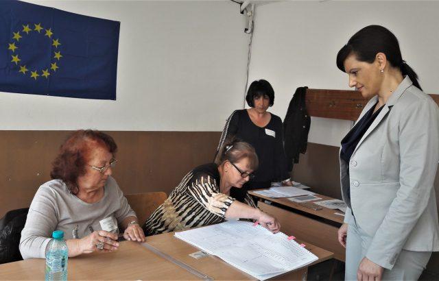 Даниела Дариткова: Гласувах за стабилна и просперираща България в обединена и сигурна Европа!
