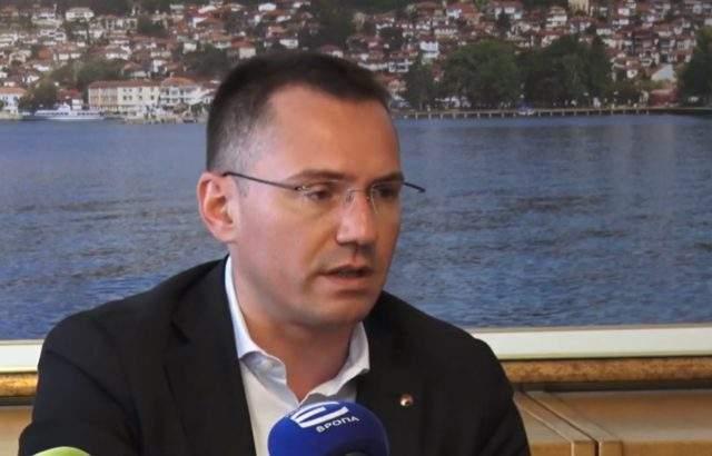 БНТ спря предизборен клип на Ангел Джамбазки с безумни аргументи, оплакаха се от ВМРО