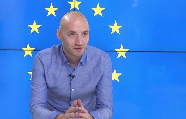Димитър Ганев разкри в студиото на IZBORI.BG: ГЕРБ води пред БСП