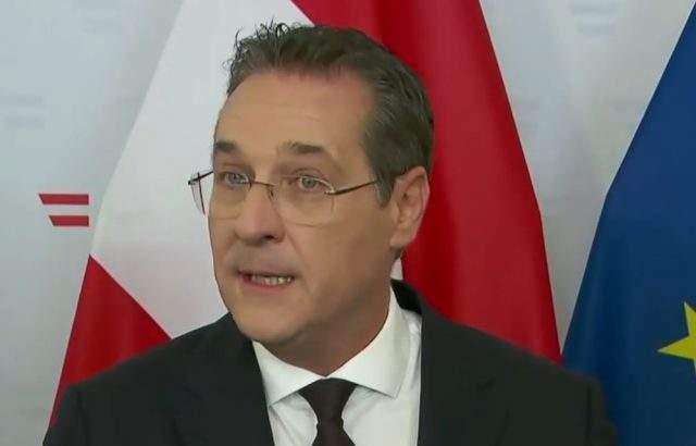 Хайнц-Кристиан Щрахе подаде жалби срещу адвокат, детектив и срещу жената от скандалното видео