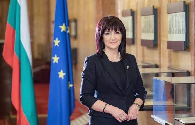 Цвета Караянчева гласува в Кърджали