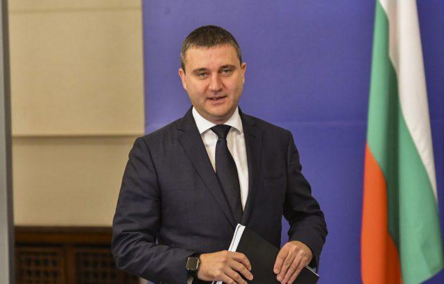 Владислав Горанов спокоен за партийните пари: Има несъвършенства в закона