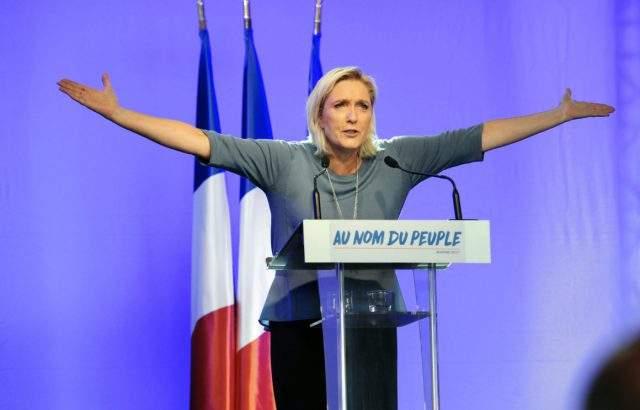 Крайната десница на Марин Льо Пен печели евровота във Франция, настоява за предсрочни избори