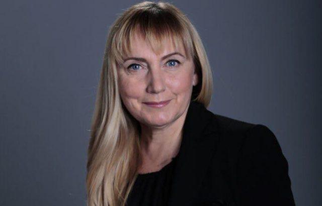Елена Йончева обвини Борисов в лъжа и извади документ за имота в Банкя