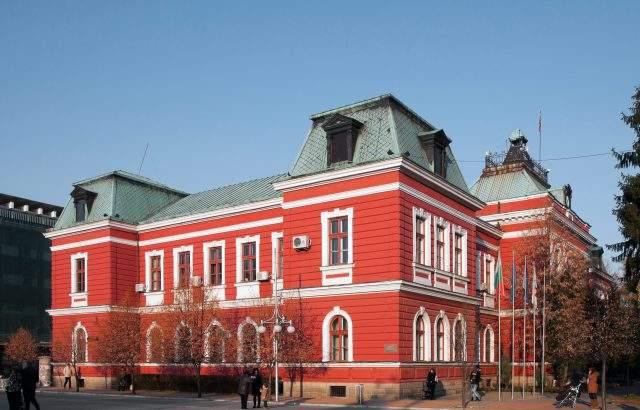 Повече от 12 часа е продължило приемането на изборните книжа в Районната избирателна комисия – Кюстендил