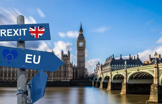 Великобритания отлага критичния вот за Брекзит