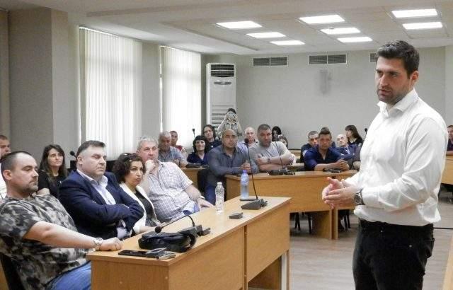 "Андрей Новаков: Заради трима български евродепутати, не говорим в минало време за пакета ""Мобилност"""