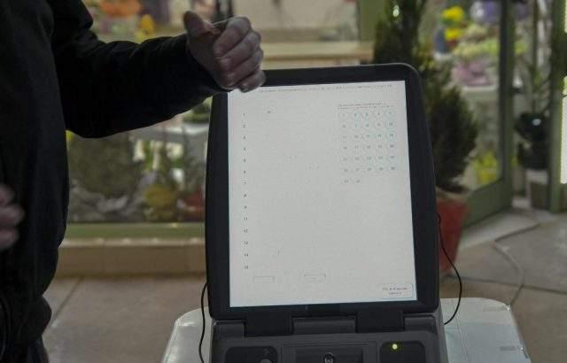 В 10 секции машинното гласуване е отменено