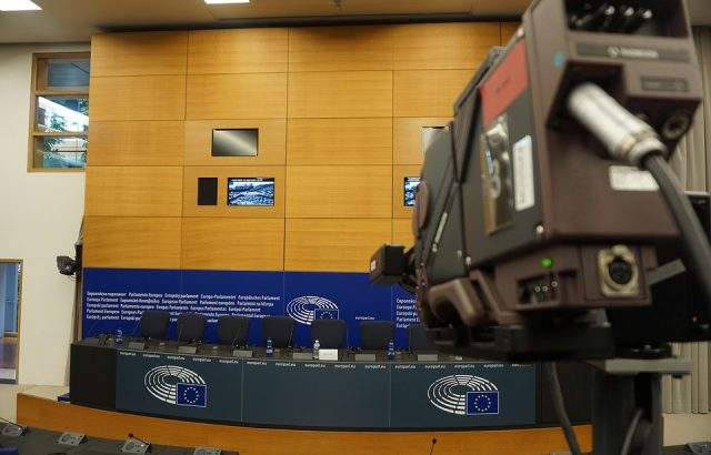 Български интелектуалци призоваха за демократични принципи
