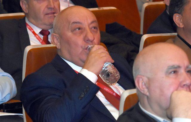 Георги Гергов подари имот на митрополит Николай на върха на едно от тепетата