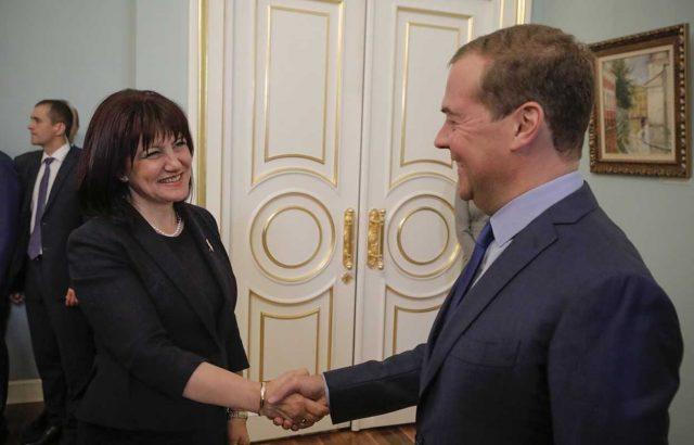 """Медведев към Караянчева: Росатом ще се включи в процедурата за АЕЦ """"Белене"""""""