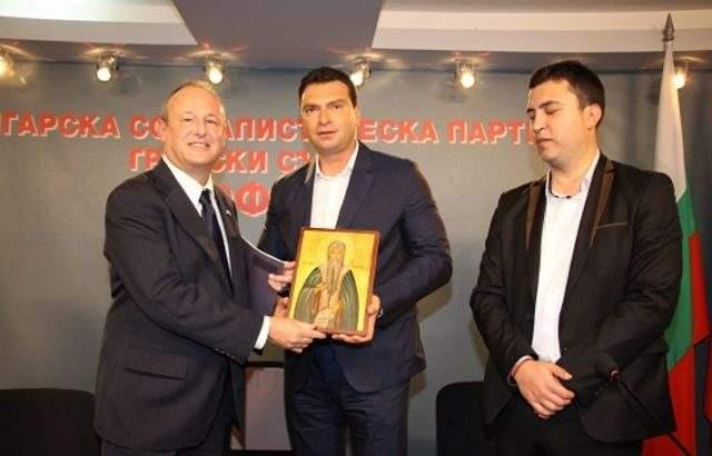 Лидерът на БСП-София посрещна посланика на САЩ в централата на столичните социалисти