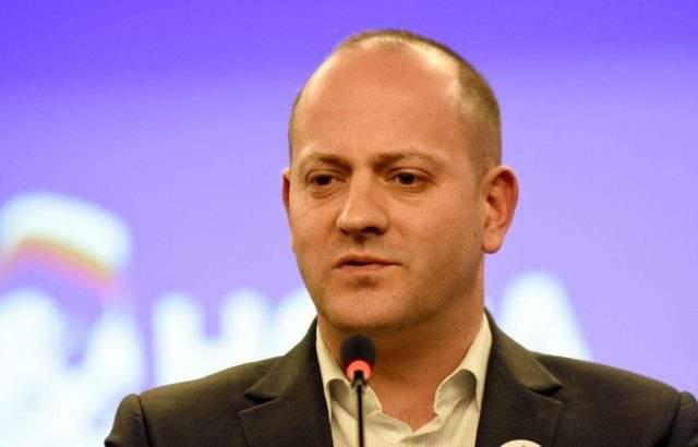 Радан Кънев сравни отвореното финансиране на партиите с катастрофа