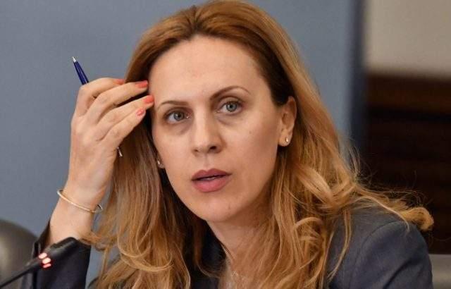 Марияна Николова: Удостоверението за български произход създава съмнения за корупция