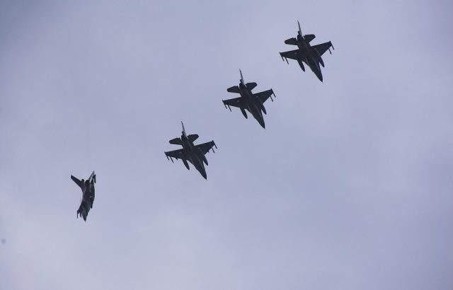 САЩ представи на МО предложение за договор за 8 изтребителя F-16 Block 70