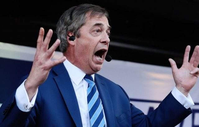 Европарламентът поиска наказание за Найджъл Фарадж заради подаръци от 450 000 паунда