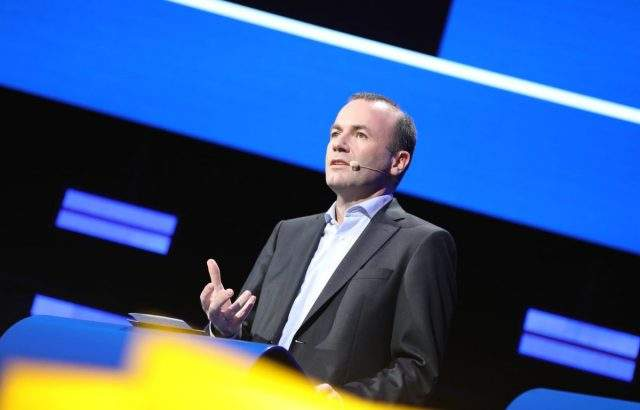 Френски издания: ЕНП може да получи председателството на Еврокомисията ако кандидат не е Вебер