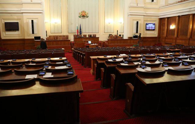 Депутатите отложиха старта на тол системата