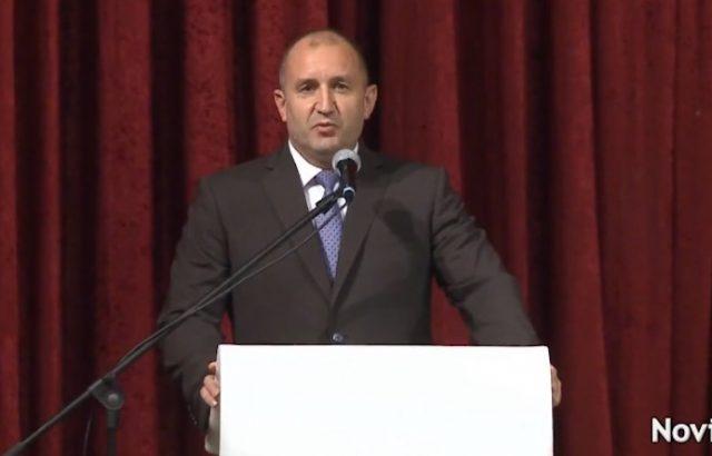 Румен Радев: Президентът не е срещу F-16