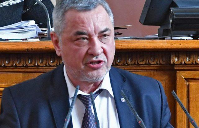 Валери Симеонов: Светият синод писмено отказа да канонизира Левски
