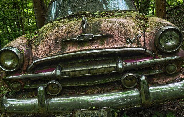 Кметът на София обяви, че над 4000 стари автомобила са разчистени от улиците на София