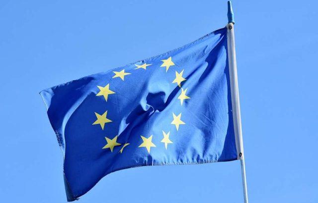 ЕС ще отвърне на САЩ, ако повишат митата за внос на автомобили от Европа