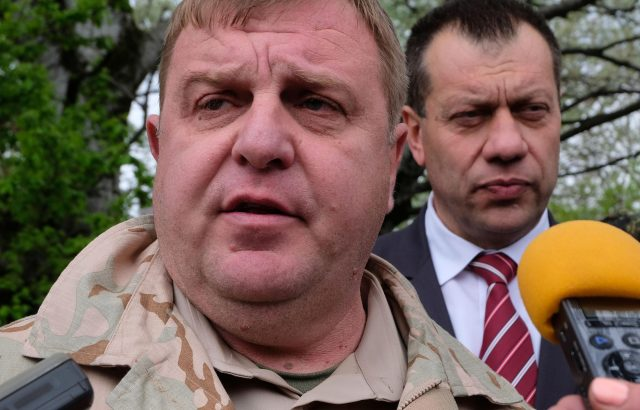 Каракачанов: Не са правени компромиси с качеството на F-16