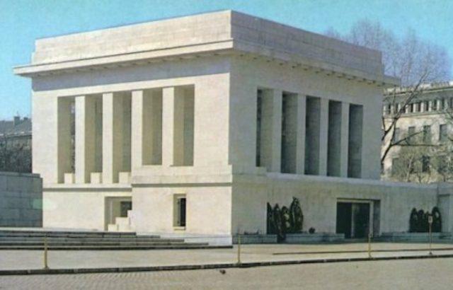 Навършват се 20 г. от разрушаването на мавзолея на Георги Димитров
