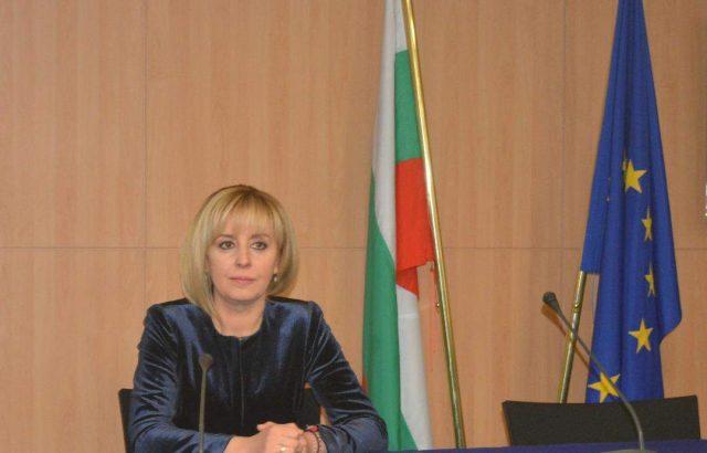 Омбудсманът ще се срещне с адвокати, Агенцията по вписванията и правосъдното министерство за Търговския регистър