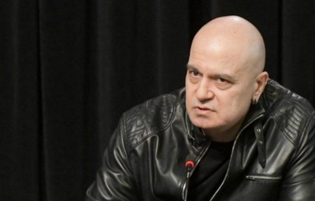 Слави Трифонов призова всичколозите да си пишат, той щял да прави каквото е казал