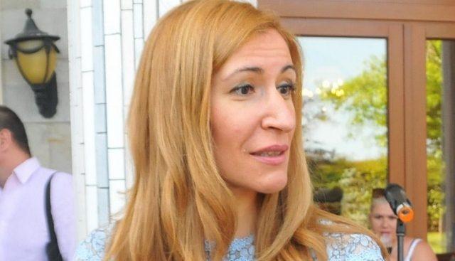 """Николина Ангелкова: Курортът """"Албена"""" се превърна в символ на българския туризъм"""