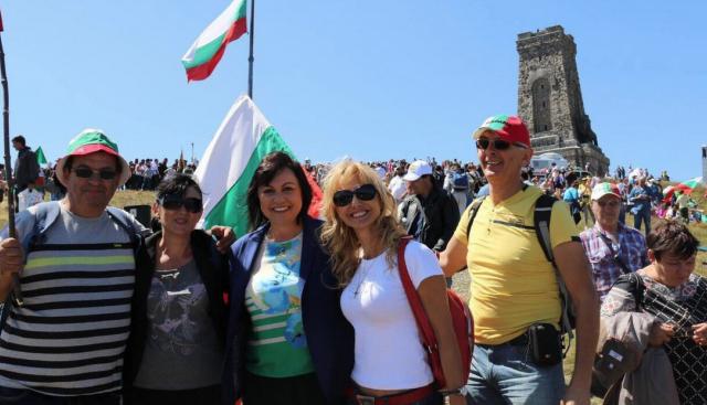Корнелия Нинова: Да защитаваме истината за българската история