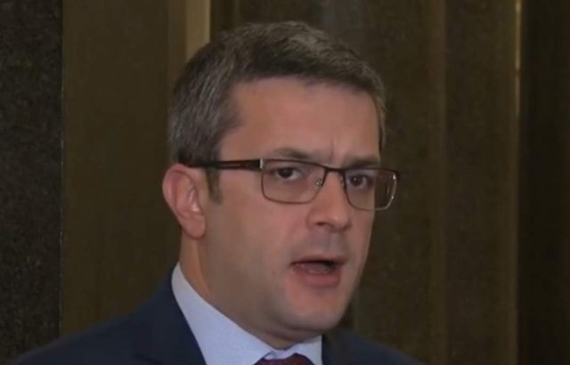 Тома Биков: Ръководството на БНР да обясни действията си, това не е частна медия