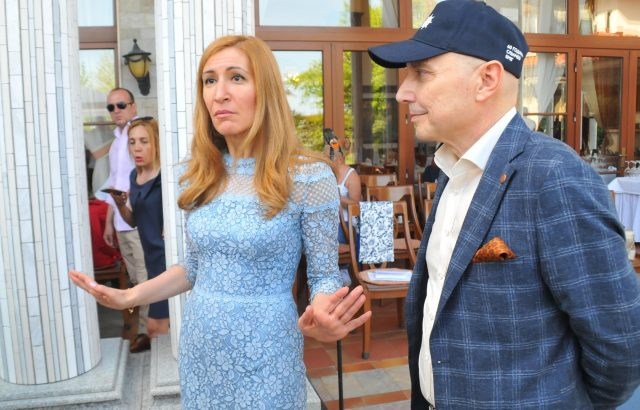Ангелкова обяви Годишните награди в туризма
