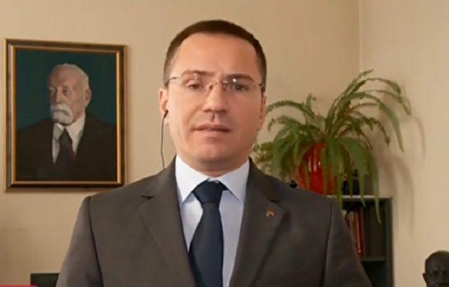 Джамбазки поиска оставката на Калпакчиев