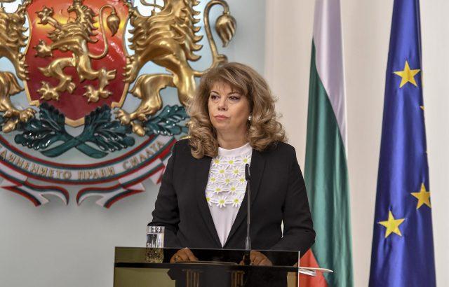 Илияна Йотова ще се срещне с шефа на Военния комитет на НАТО