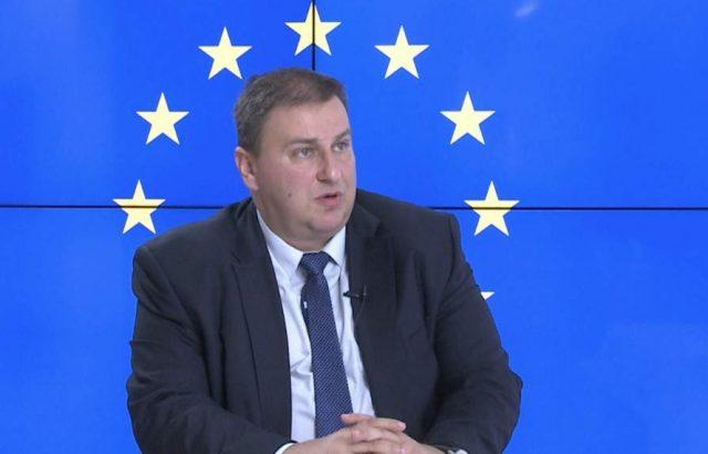 Емил Радев:  Европа все още не може да се справи с последствията от мигрантската криза