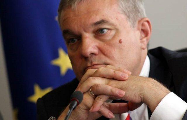 Румен Петков: Гласуваш за Борисов, получаваш Деската