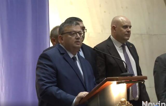 Сотир Цацаров застана зад ограничаването на съкратеното следствие