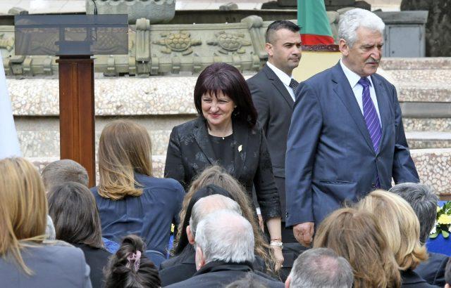 Отнемане на предимство е вероятната причина за инцидента с Караянчева