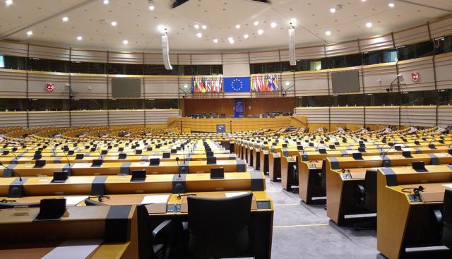 """Българските евродепутати се надавят пакет """"Мобилност"""" да бъде върнат"""