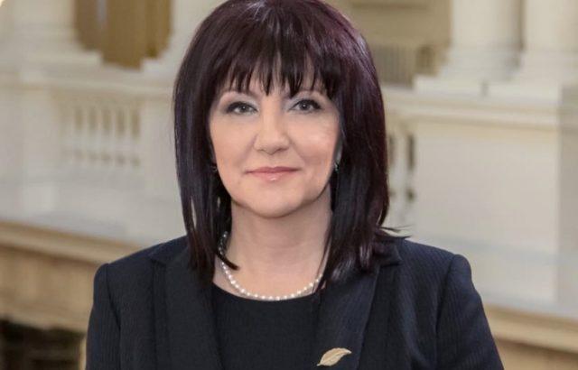 "Болница ""Лозенец"": Караянчева е добре"