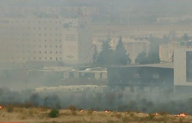 Голям пожар край Летище София вдигна огнеборците на крак