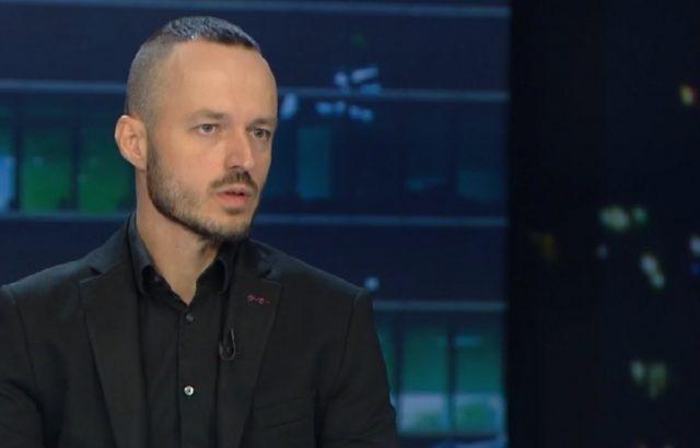 Калпакчиев хвърли сянка на протестите срещу Гешев, смята социолог