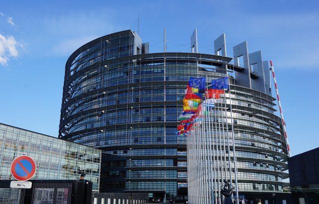 Европарламентът подкрепи отлагането на Брекзит
