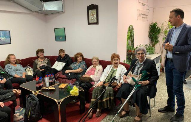Димитър Николов пуска екип от 33-ма здравни специалисти на обиколки по домовете на стари хора в Бургас