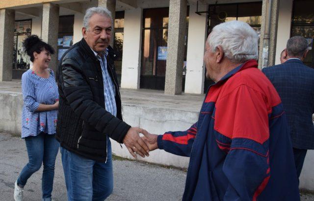 Огнян Ценков, кандидатът на ГЕРБ за Видин подкрепи кандидат за село Иново
