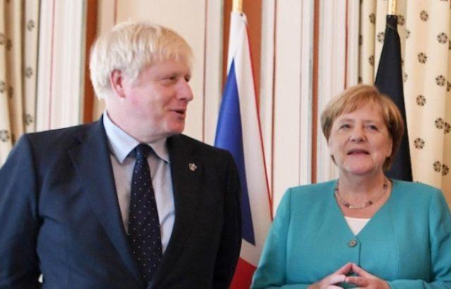 Джонсън към Меркел: Брекзит не трябва да се отлага след 31 октомври