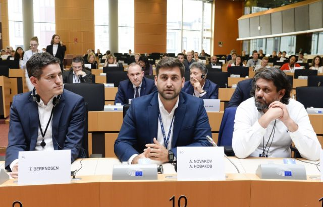 Европарламентът прие на първо четене повишение с 50 млн. лв. на средствата за чумата по свинете